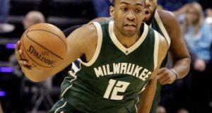 Milwaukee Bucks: Jabari Parker tears ACL again