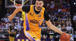 Atlanta Hawks Sign Isaac Humphries